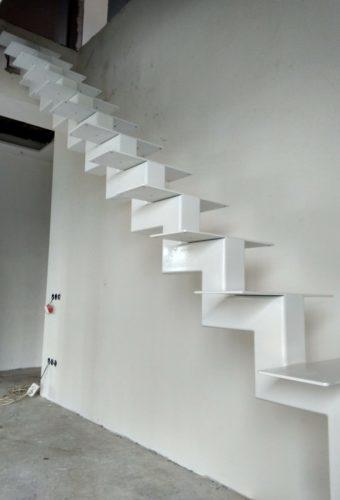металлический каркас лестницы Цна