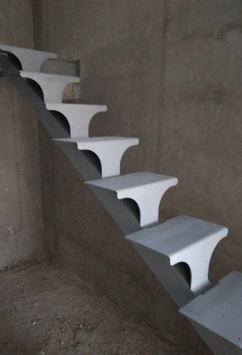 металлический каркас лестницы Раков
