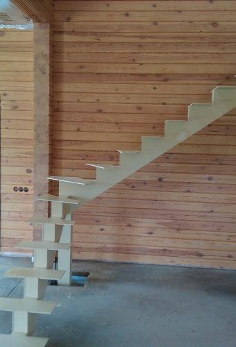 металлический каркас лестницы Боровляны